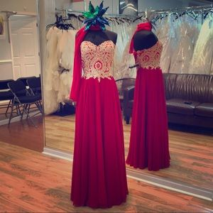 Dresses & Skirts - Whimsical a-line gown perfect for any event!